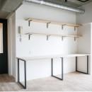 モールテックスキッチンのシンプルリノベーションの写真 ワークデスク