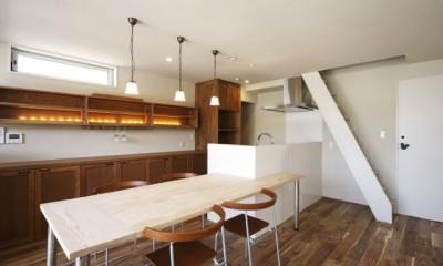 ダイニング・キッチン|それぞれの想いの家(都市型分離2世帯住宅)