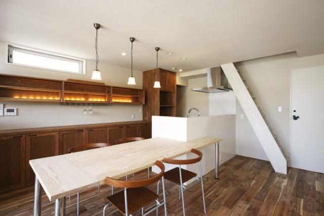 それぞれの想いの家(都市型分離2世帯住宅) (ダイニング・キッチン)