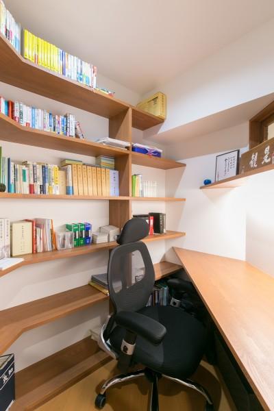 書斎 (pillar~リノベーションするなら、古くて変わった形の物件が面白い~)