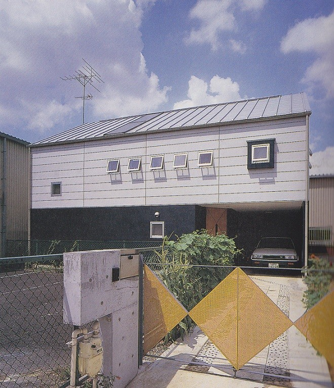 内外デッキのある家|北春日部の家 (東側外観)