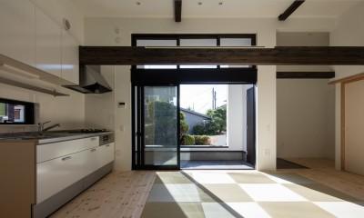 親世帯リビング|猫と住む家 横浜の二世帯住宅OUCHI-40