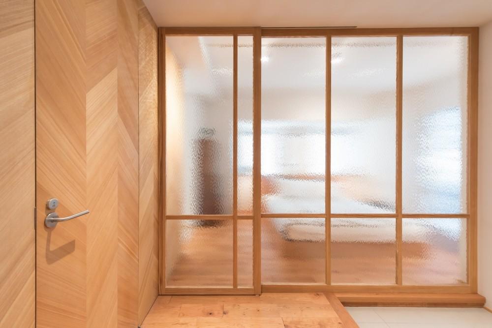 豊島区Wさんの家 (丁度良い揺らぎと透明感のガラスの壁)