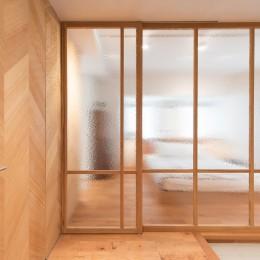 Wさんの家 (丁度良い揺らぎと透明感のガラスの壁)