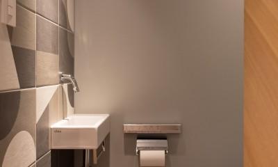 豊島区Wさんの家 (タイルと手洗い器がアクセント)