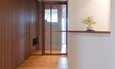 南越谷Mさんの家 (シンプルでゆとりのある玄関)