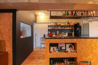 キッチン (和洋折衷のインダストリアル空間)