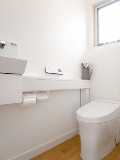 トイレ (こだわりの造作洗面台)