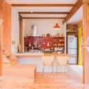 【継承リノベーション】想い出BOX~おじいさまから譲り受けた木造の家、思い出を繋いでいく住まい~の写真 リビングダイニング