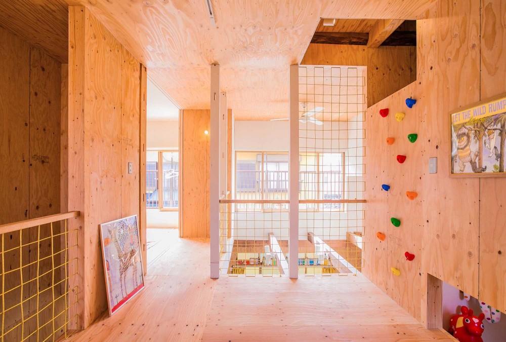 【継承リノベーション】想い出BOX~おじいさまから譲り受けた木造の家、思い出を繋いでいく住まい~ (2階ホール&ボルダリング)