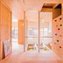 【継承リノベーション】想い出BOX~おじいさまから譲り受けた木造の家、思い出を繋いでいく住まい~の写真 2階ホール&ボルダリング