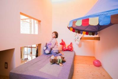 2階子ども部屋 (【継承リノベーション】想い出BOX~おじいさまから譲り受けた木造の家、思い出を繋いでいく住まい~)