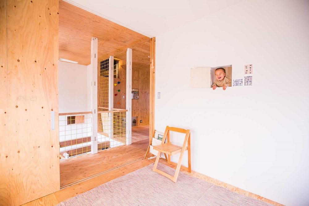 【継承リノベーション】想い出BOX~おじいさまから譲り受けた木造の家、思い出を繋いでいく住まい~ (2階子ども部屋)