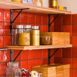 【継承リノベーション】想い出BOX~おじいさまから譲り受けた木造の家、思い出を繋いでいく住まい~ (キッチン)