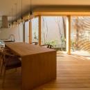 elnath/平面的、立体的な斜めの壁によって構成された空間を考えてみる。の写真 リビングダイニングキッチン