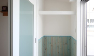 築80年の長屋を「碧の家 」に (2階のサンルーム)