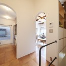 Arbre-外観は古民家風に、空間はイギリスのB&Bのようにの写真 ホール