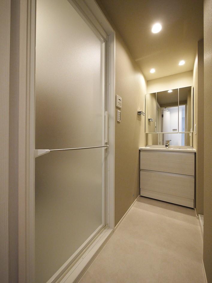 SICのある玄関 (洗面室)