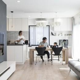岐阜市 A様邸|Achromatic color -生活を通して毎日が色づく家- (LDK)