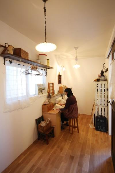 DIY部屋 (Anfield -レイソルサポーターが柏に建てた素焼きレンガの家-)