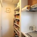 Anfield -レイソルサポーターが柏に建てた素焼きレンガの家-の写真 キッチン収納