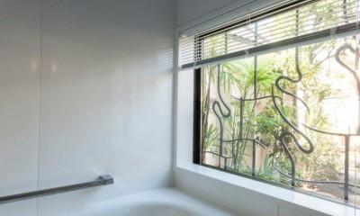 浴室|古民家移築のゲストルームを住宅に/歴梁