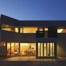 元山城に建つドックランのある家 -滋賀の家-の写真 外観夕景
