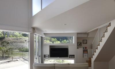 元山城に建つドックランのある家 -滋賀の家- (リビングダイニング)