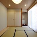元山城に建つドックランのある家 -滋賀の家-の写真 和室