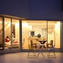 元山城に建つドックランのある家 -滋賀の家-の写真 夕景