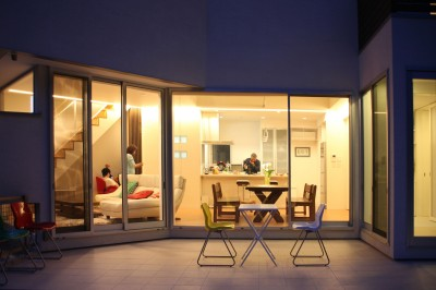 夕景 (元山城に建つドックランのある家 -滋賀の家-)