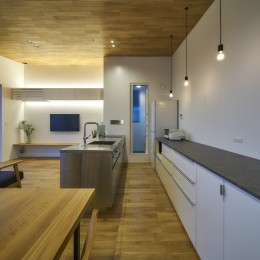 梅田町の家 | House in Umeda (キッチン)
