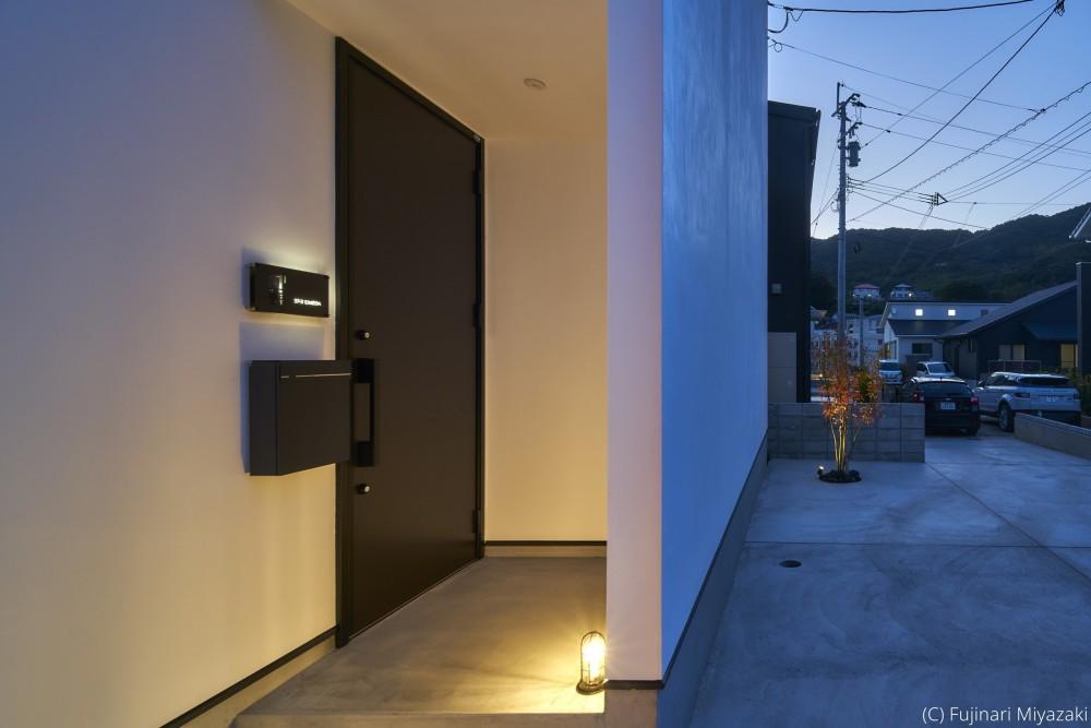 梅田町の家 | House in Umeda (玄関ポーチ)