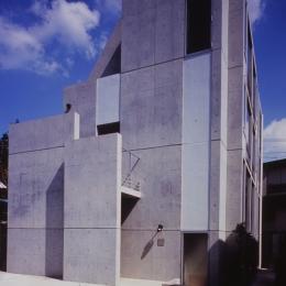Residence LILAS (昼間の外観)
