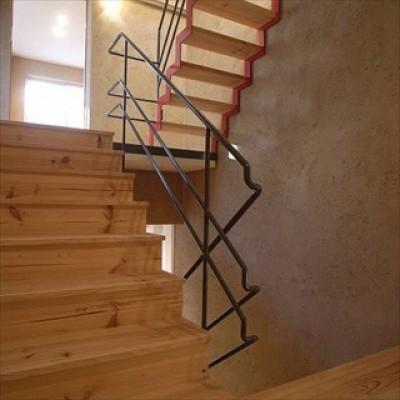 階段 (二世帯を繋げる中庭|二世帯の中庭のある家へリノベーション)