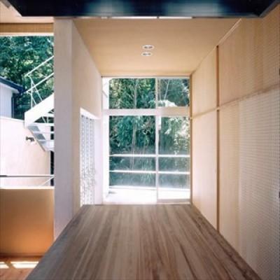 テラス (ホタルの棲む竹薮と共生 - 中庭のある15坪の狭小住宅|春日町の家)