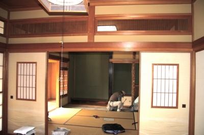 懐かしい新しさをつくる 和のリノベーション(木造1戸建てリノベーション) (解体前和室八畳)