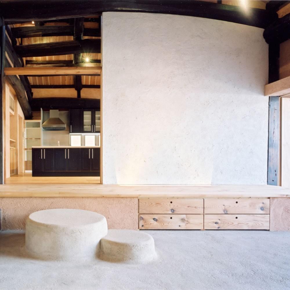 玄関事例:土間(土間のある家| 500年目の大修理、旧家リノベーション)
