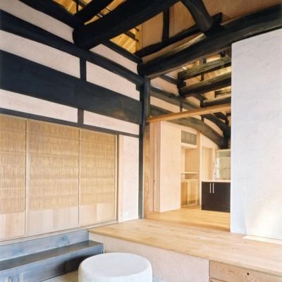 エントランス (土間のある家| 500年目の大修理、旧家リノベーション)