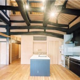 土間のある家| 500年目の大修理、旧家リノベーション (キッチン)