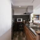 I邸_子どもと一緒に夢見る家の写真 キッチン キッチン収納