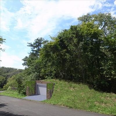 ガレージ (生駒の家|山のリゾート地に開かれたプライベートな週末の家)
