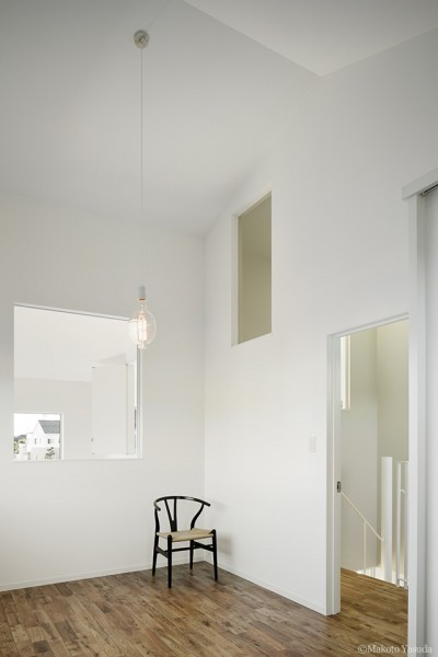 寝室2 (間窓の家 - ギャラリーのある暮らし)