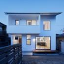間窓の家 - ギャラリーのある暮らしの写真 夜景の外観