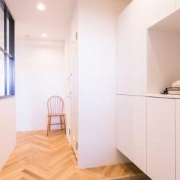 tone in~大切にしている家具が、そっと暮らしに調和する住まい~ (玄関)