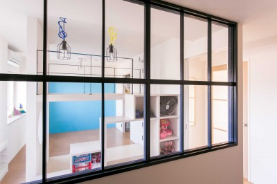 内窓 (tone in~大切にしている家具が、そっと暮らしに調和する住まい~)