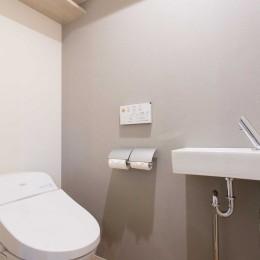 tone in~大切にしている家具が、そっと暮らしに調和する住まい~ (トイレ)