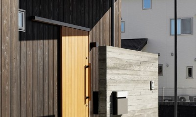 外観ー玄関ポーチ|土岐の曲り屋 ー 光土間のアウトドアリビング