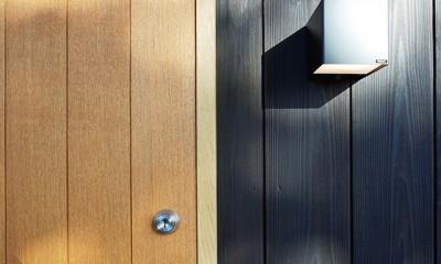 外観ー玄関建具|土岐の曲り屋 ー 光土間のアウトドアリビング