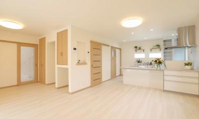 フルリノベーション~空間とキッチンの色のハーモニーが奏でる心地良さ~ (光や風の流れも配慮)